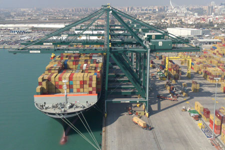 HiSea-water-quality-management-services-benefit-Port-of-Valencia,-and-ports-around-the-world
